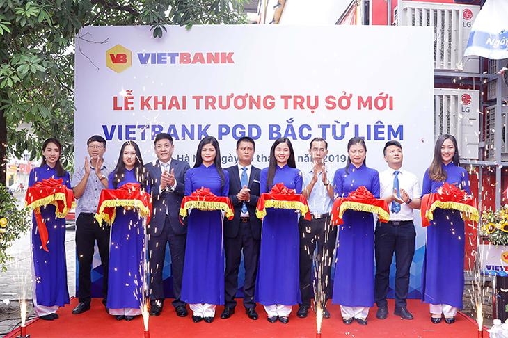 VIETBANK tưng bừng khai trương trụ sở mới PGD Bắc Từ Liêm